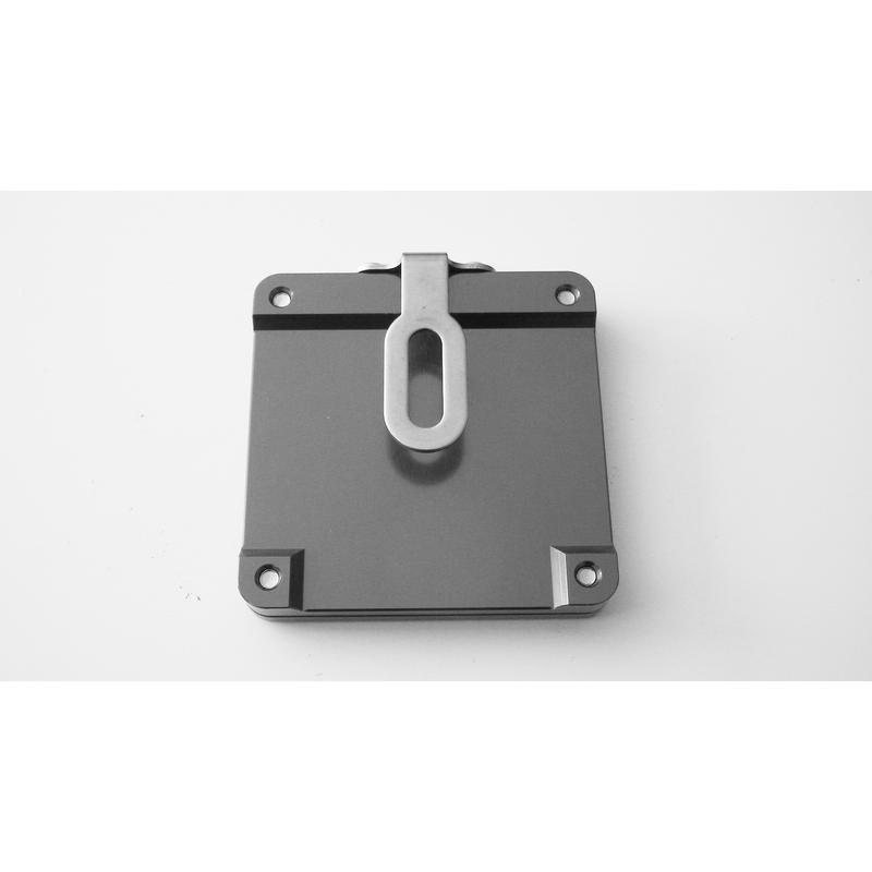 support vignette assurance moto plat carre titane en livraison gratuite en france m tropolitaine. Black Bedroom Furniture Sets. Home Design Ideas